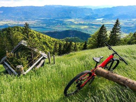 family active bled actieve gezinsvakantie slovenie julische alpen mountainbiking triglav national park 3