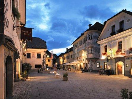 radovljica old town   miran kambič, turizem radovljica slovenie julische alpen wandelen