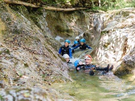 family active lofer salzburger saalachtal avontuurlijke gezinsvakantie oostenrijk canyoning kids