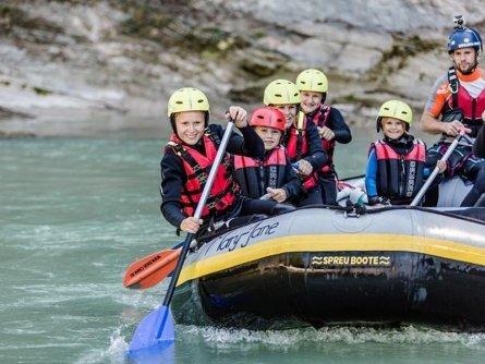 family active lofer salzburger saalachtal avontuurlijke gezinsvakantie oostenrijk raftingtour families
