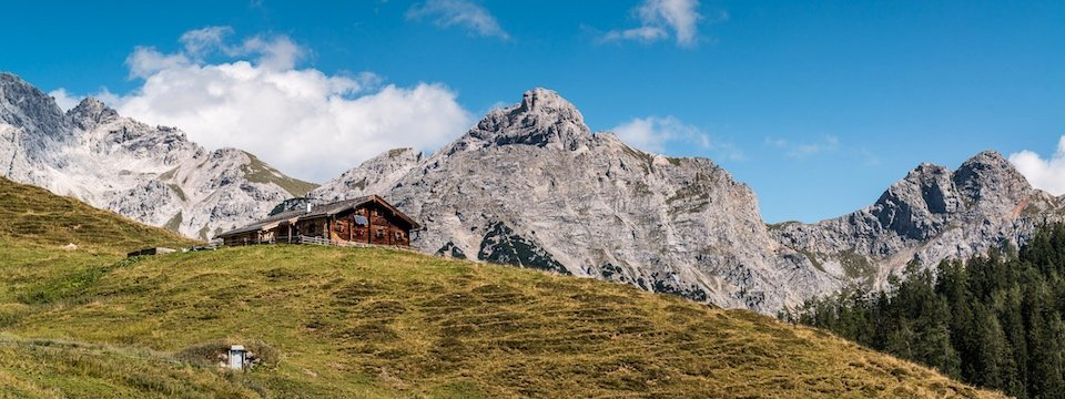 family active lofer avontuurlijke gezinsvakantie oostenrijk bergwandeltocht naar een almhut   kalbrunnalm   tvb salzburger saalachtal 2