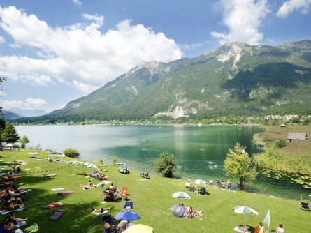 family active nassfeld karinthië avontuurlijke gezinsvakantie oostenrijk alpen zwemmen strandbad passriach pressegger see
