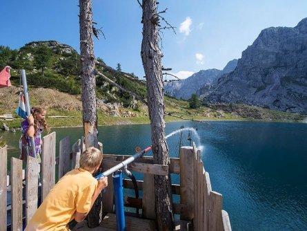 family active nassfeld karinthië avontuurlijke gezinsvakantie oostenrijk alpen wandeltocht aquatrail daniel zupanc