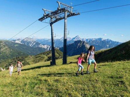 family active nassfeld karinthië avontuurlijke gezinsvakantie oostenrijk alpen wandeltocht zupanc