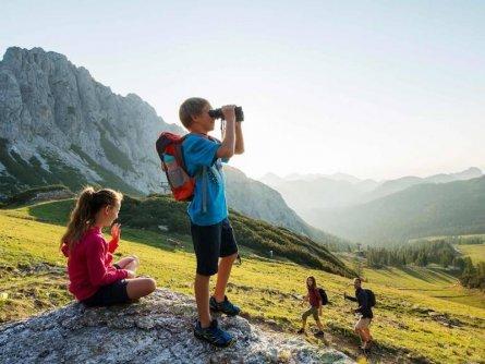 family active nassfeld karinthië avontuurlijke gezinsvakantie oostenrijk alpen wandeltocht