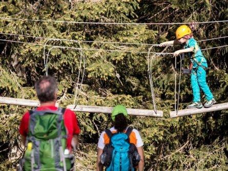 family active nassfeld karinthië avontuurlijke gezinsvakantie oostenrijk alpen felsenlabyrint 2