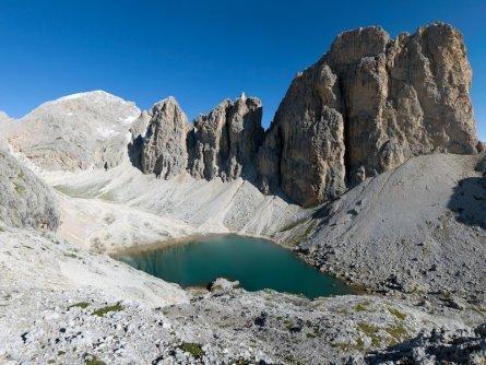 huttentocht dolomieten panorama val di fassa zuid tirol italie italiaanse alpen wandelvakantie apt val di fassa_nicola angeli_lago antermoia