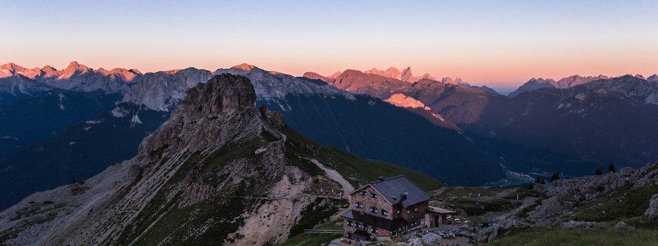 huttentocht dolomieten panorama val di fassa zuid tirol italie italiaanse alpen wandelvakantie apt val di fassa_andrea costa_roda de vael