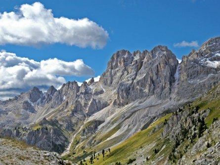 huttentocht dolomieten panorama val di fassa zuid tirol italie italiaanse alpen wandelvakantie apt val di fassa_giuseppe ciani_valle del vajolet