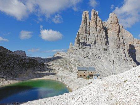 huttentocht dolomieten panorama val di fassa zuid tirol italie italiaanse alpen wandelvakantie apt val di fassa_nicola angeli_torri del vajolet