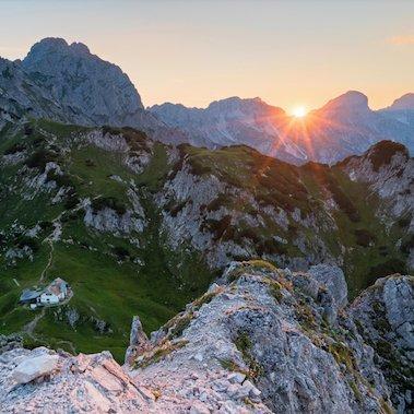huttentocht gesäuse national park runde steiermark oostenrijk alpen st5 haindlkarhütte – admonter haus admonter warte zonsondergang