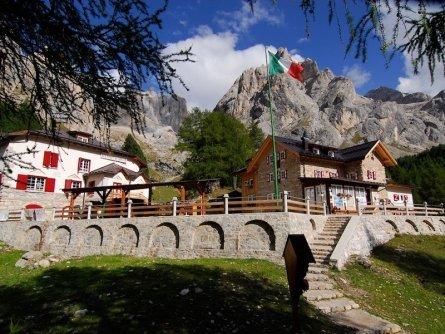 huttentocht dolomieten panorama val di fassa zuid tirol italie italiaanse alpen wandelvakantie rifugio contrin   canazei 2