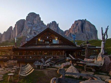 huttentocht dolomieten panorama val di fassa zuid tirol italie italiaanse alpen wandelvakantie rifugio friedrich august