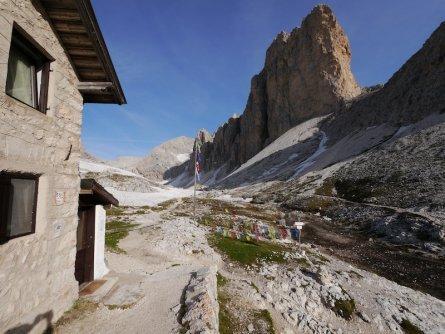 huttentocht dolomieten panorama val di fassa zuid tirol italie italiaanse alpen wandelvakantie rifugio antermoia 2497 m