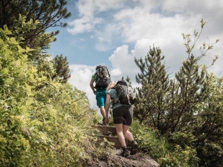 huttentocht gesause national park runde huttenrunde etappe 1 auf die mödlingerhütte   tv gesäuse