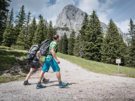huttentocht gesause national park runde huttenrunde etappe 1 stage 1 kalblinggatterl  tv gesäuse