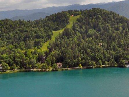 family active bled avontuurlijke gezinsvakantie slovenië klimpark rodelbaan straza hill lake bled 03 slovenia