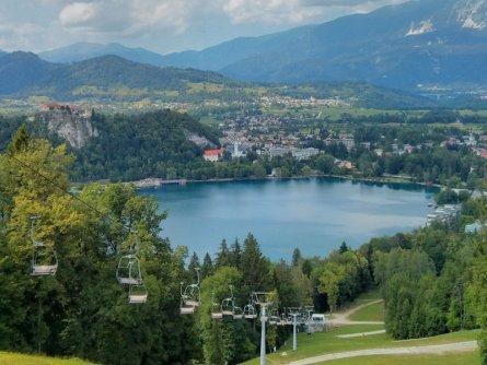 family active bled avontuurlijke gezinsvakantie slovenië klimpark rodelbaan straza hill lake bled slovenia